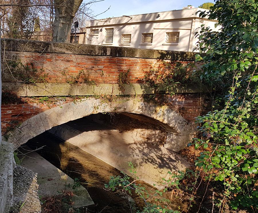 pont de brique la salle 13320 -bouc-bel-air