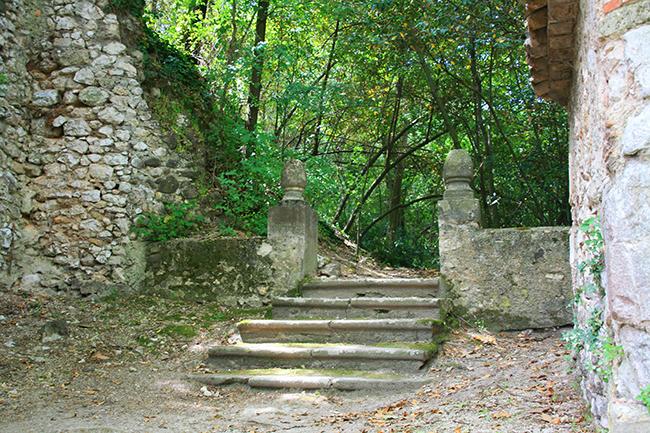 jardin d albertas 13320 bouc-bel-air escalier pierre
