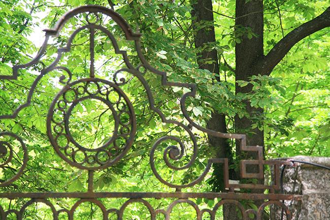 jardin d albertas 13320 bouc-bel-air details ferronnerie